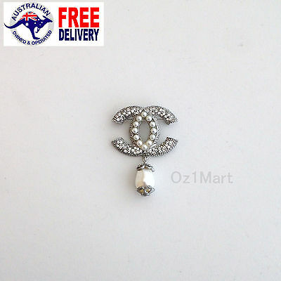 NEW Fashion BROOCH Crystal White Pearls Silver Swing Casual Office Pin Gift