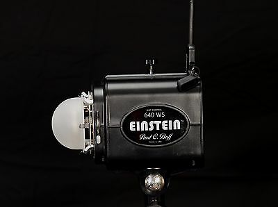 Paul C Buff Einstein E640 Flash Unit with Pocket Wizard MC2