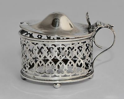 1907 Sterling Silver Condiment Boat Stand - William Devenport - Reticulated
