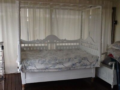 Asian Antique Day Bed