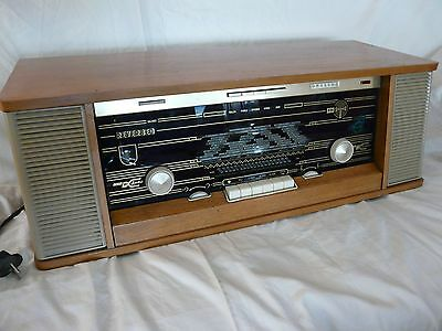 Philips Capella B7x43a tube radio Reverbeo stereo with FM up to 104 MHz.