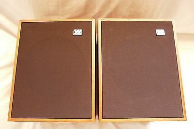 2 Wharfedale Chevin XP speakers