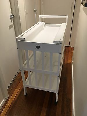 White baby change table/changer / 2 shelves/ Changing Pad