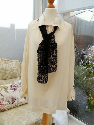 1920s Silk Tunic Blouse with pretty glass MOP Buttons and Black Lace Tie