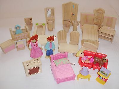 Group Of Wooden Dolls House Furniture Bedroom Items Picclick Uk