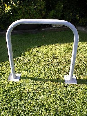 Galvanized Barrier Hooped Cycle Stand