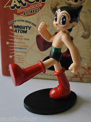 ASTRO BOY - MIGHTY ATOM Statue ATTAKUS / BOMBYX limited to 2000 OZAMU TEZUKA
