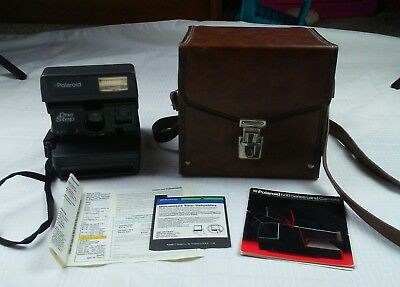 Polaroid One Step 600 Series Dual Distance Tested and Works Camera, Case & Book