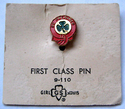Vintage Girl Scout 1941-1982 FIRST CLASS PIN Be Prepared Award Small Print CARD