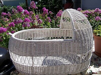 WICKER BASSINET for Baby Showers, Surprise Parties, Engagement Parties
