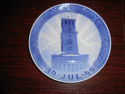"Royal Copenhagen Christmas Yul Plate 1949  ""Church of Our Lady"""