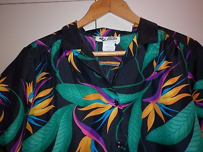 Vintage Womens  Bright Hawaiian Print Top Size Large Excellent Condition