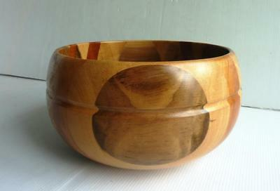 """Crafted (Mixture of Woods) Deep Wooden Fruit/Salad Bowl - Dia 8"""" - Lovely Design"""