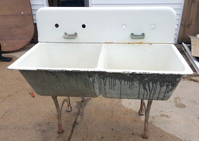 Vintage SSM CO White Porcelain Enameled Cast Iron Laundry Farmhouse Sink w/legs