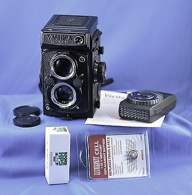 Yashica MAT124G TLR Camera GREAT CONDITION w/case IT WORKS & CDS METER WORKS TOO