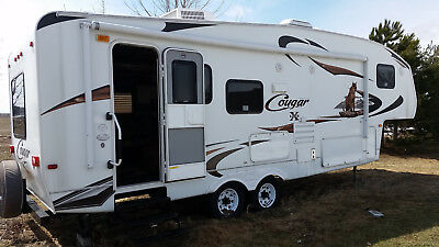 2010 Keystone Fifth Wheel, caravan à sellette Cougar X-Lite 26RLS Rear Living