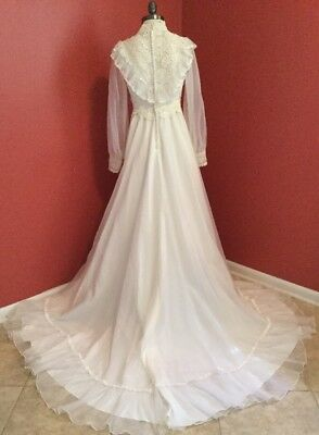 Vintage 70s Edwardian Victorian WHite Lace LONG Tail Layered Veil Wedding Dress