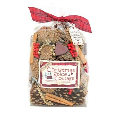 Enchante Christmas Spice Scented Cones & Berries Gift Bag – Fragrance Pot Pourri