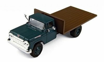 Classic Metal Works #30412 1960 Ford Flatbed Truck - Holly Green  HO