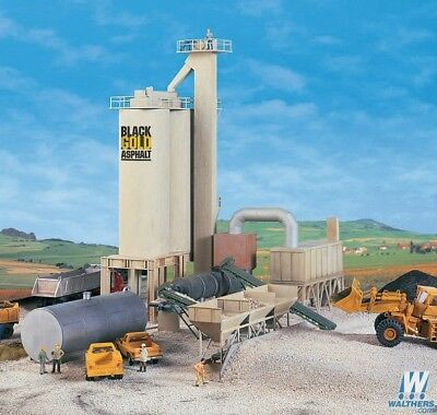 Walthers #933-3085 Black Gold Asphalt Hot Mix Plant - Building kit HO SCALE