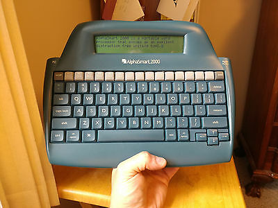 AlphaSmart 2000 - with case