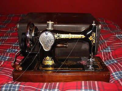 1940 Singer 28K Sewing Machine Beautiful Condition!