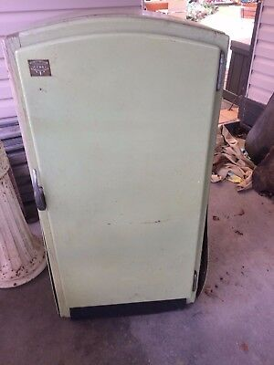 Vintage Iceway - Ice Box/ Ice Chest/ice fridge