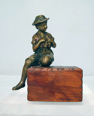 Antique Continental Bronze Seated Young Fisherman Sculpture on Wood Plinth   yqz