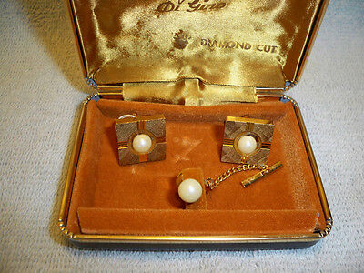 VINTAGE DI GINO DIAMOND CUT Cufflinks, tie tack Set cuff links, pearls ?  case