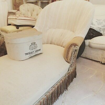 antique french chaise