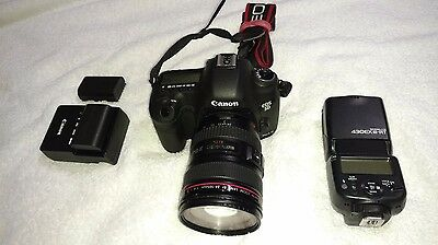 Canon EOS 5D Mark III DSLR Camera with 24-105mm Lens/430 EXIII-RT Flash
