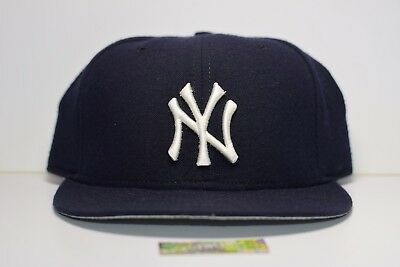 New York Yankees Fitted Hat Vintage 90s New Era WOOL Made in USA 7 1/4  Vntg OG