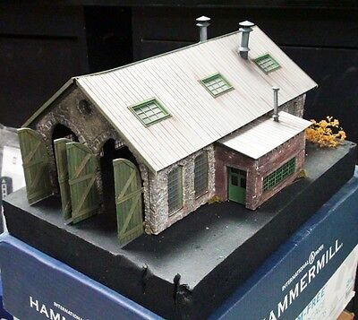 Double Stall Engine House Model *Built-Up* Building & Structure Co S/1;64/Sn3