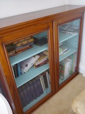 Antique Glass Fronted Wood/Mahogany Bookcase