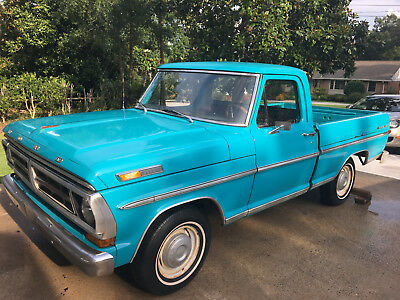 1971 Ford F-100 sport custom 1971 Ford F-100 -302 V8 - Great Condition - runs great!