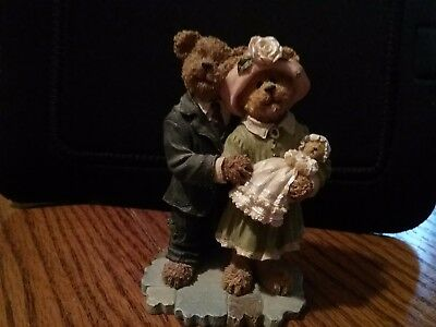 Boyds Bears Bearstone 2004 JAMES & KATHLEEN WITH BABY BLESSING 3rd Edition