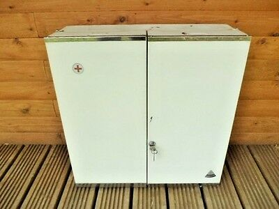 FRENCH VINTAGE 1970s INDUSTRIAL CHIC METAL PHARMACY MEDICINE CABINET