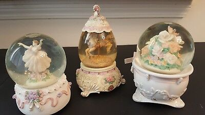 3 Very Pretty SnowGlobes / Music Boxes 1 Westland