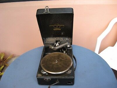 RARE  AND  UNUSUAL COLUMBIA MODEL  No.100 PORTABLE GRAMOPHONE.