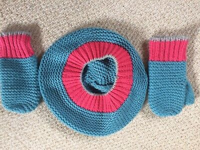 Boden Girls Hat and Mittens Age 7-10 years Good Condition