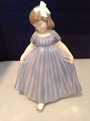 Royal Copenhagen Figurine Dancing Girl #2444 Excellent Condition