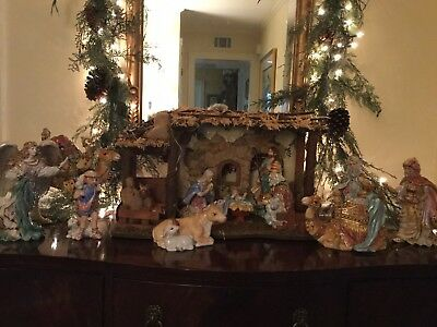 Large Fitz And Floyd Large 12 Piece Nativity & Stable