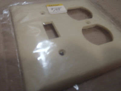 Vintage Sierra Bakelite ivory color 2 lines smooth switch recept.  plate cover