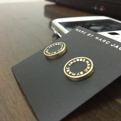 Hot Fashion Marc By Marc Jacobs 5 Colors Letters Disc Stud Earrings
