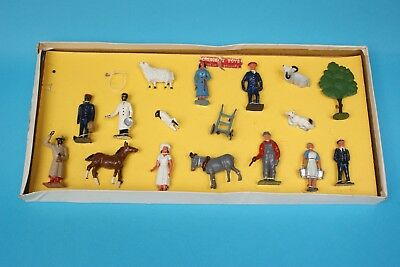 CRESCENT TOYS METAL VERY RARE RAILWAY / FARM BOX SET US EXPORT...Great Find...!!