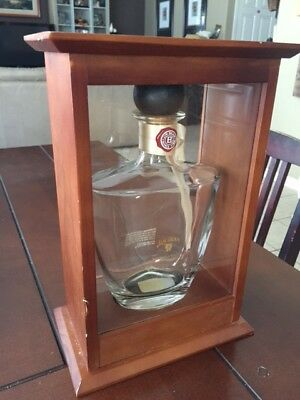 Jim Beam Reserve bottle and case