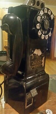 model 197 Bell System coin payphone telephone
