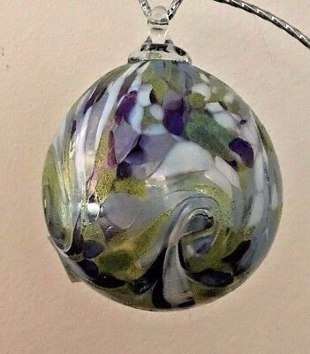 Ron Hinkle Hand Blown Art Glass 3.5 inch diameter Nefertiti Ornament