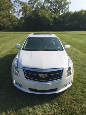 2016 Cadillac XTS Luxury Sedan 4-Door 2016 Cadillac XTS Luxury - Rear Camera - Navigation