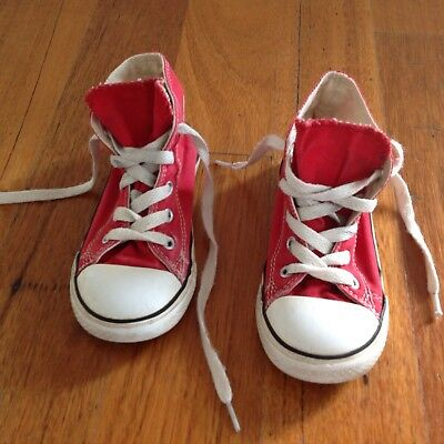Boys Red Converse All Star Sneakers, Runners. Size 9. Good Condition.